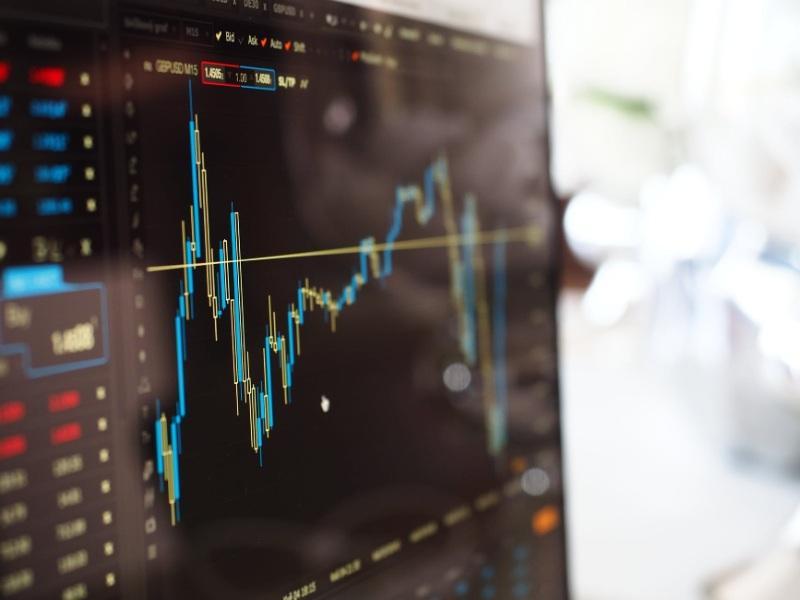 Tác động lãi suất tương đương đến định giá trái phiếu